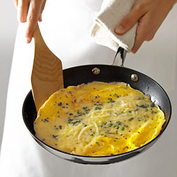 Williams Sonoma Thermo-Clad™ Stainless-Steel Omelette Pan