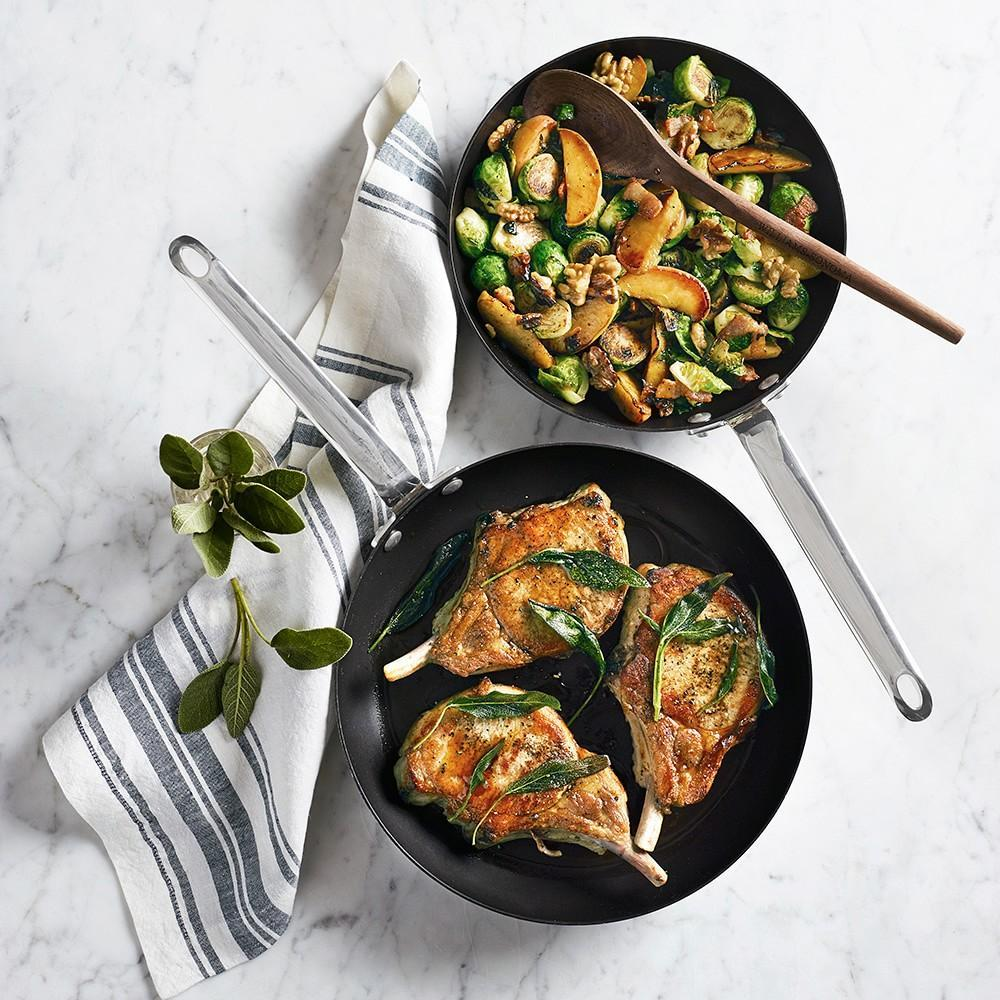 Williams Sonoma Professional Nonstick Fry Pan