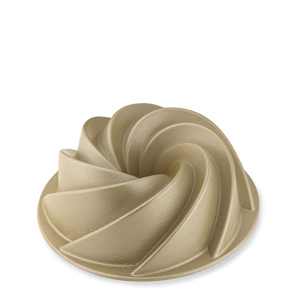 Nordic Ware Small Heritage Bundt® Cake Pan