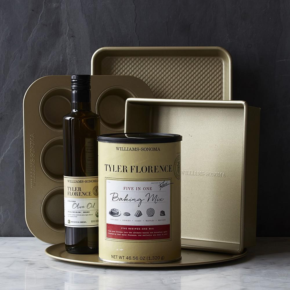 Williams Sonoma Goldtouch Nonstick Square Cake Pans
