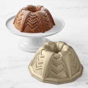 Nordic Ware Marquee Bundt® Cake Pan, Large, 12-Cup