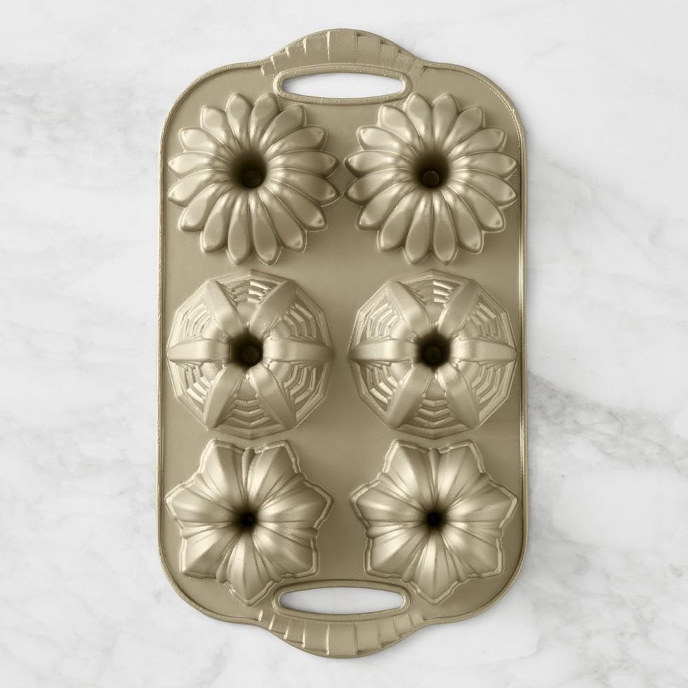 Nordic Ware Deco Cakelet Plaque