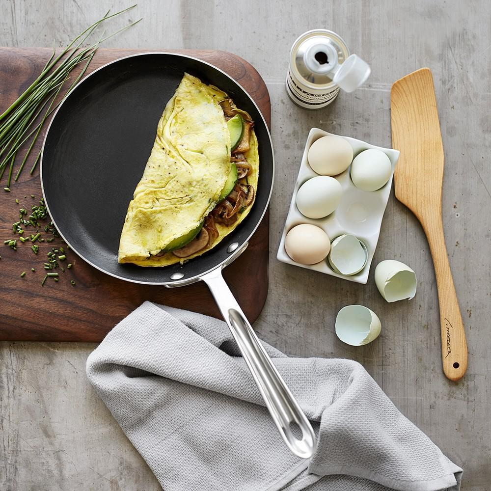 All-Clad d5 Stainless-Steel Nonstick Omelette Pan, 23 cm