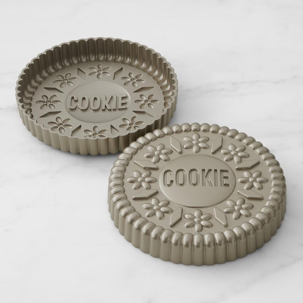 Williams Sonoma Non-Stick Cookie Cake Pan, Set of 2
