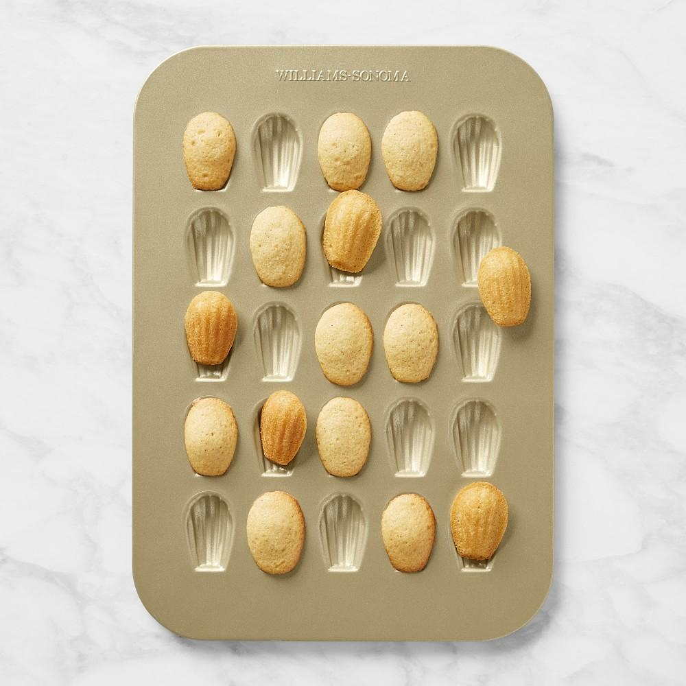 Williams Sonoma Goldtouch® Mini Madeleine Pan