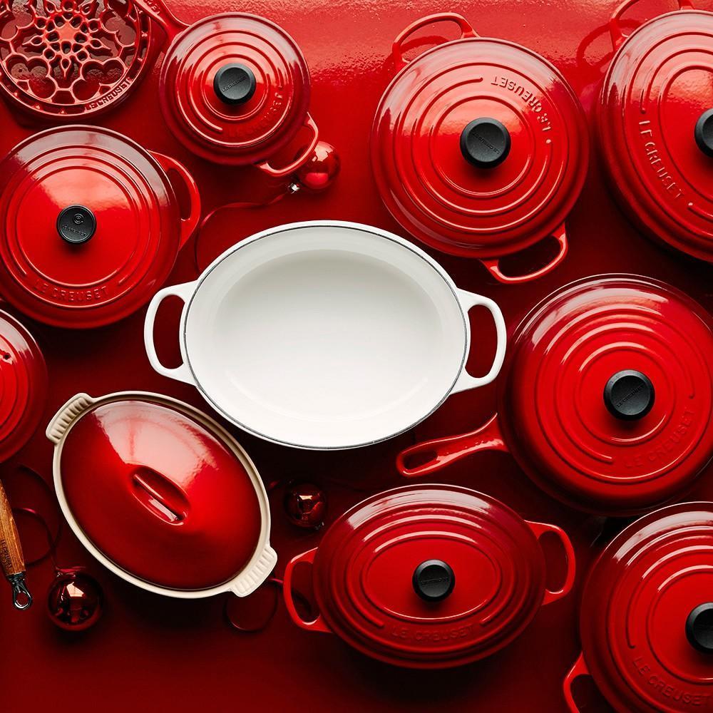 Le Creuset Signature Cast-Iron Oval Dutch Oven
