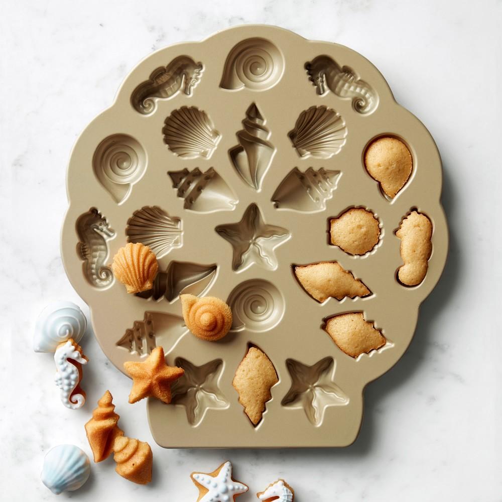 Nordic Ware Seashell Cakelet Plaque