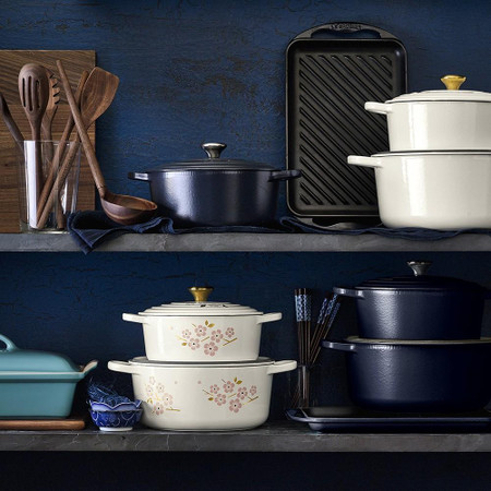 Le Creuset Signature Enamelled Cast Iron Matte Round Dutch Oven