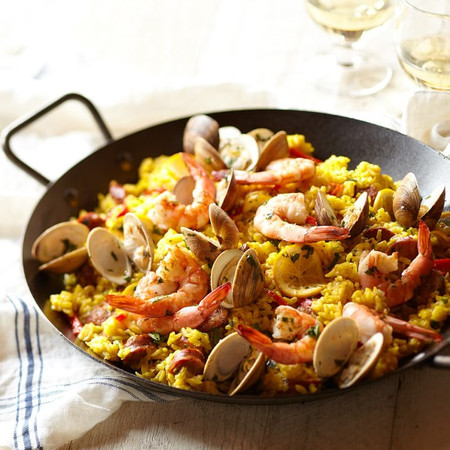 Lodge Paella Pan