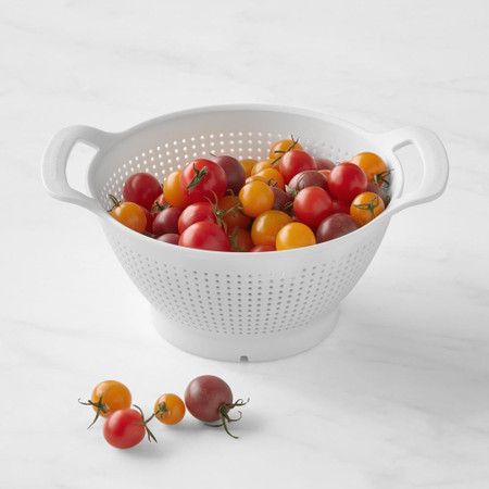 Williams Sonoma Plastic Colander