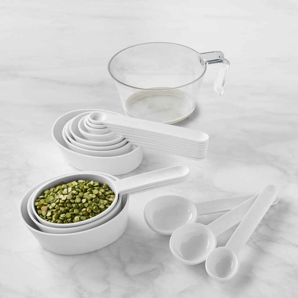 Williams Sonoma Plastic Liquid Measuring Cups